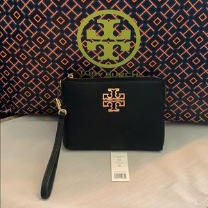 NWT Authentic Tory Burch Britten Large Zip Pouch